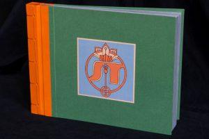 Gebrauchsgraphik - Fotoalbum Papierbezug mit Monogramm