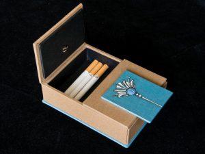 Gebrauchsgraphik - Zigarettendose einseitig geöffnet